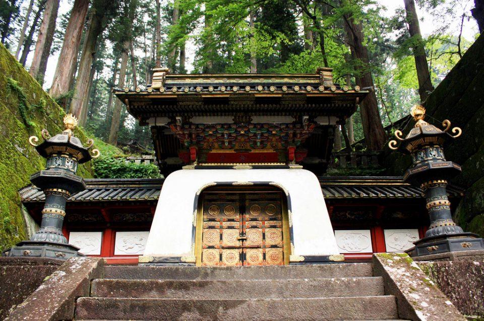 Meditación matutina con sacerdotes de montaña